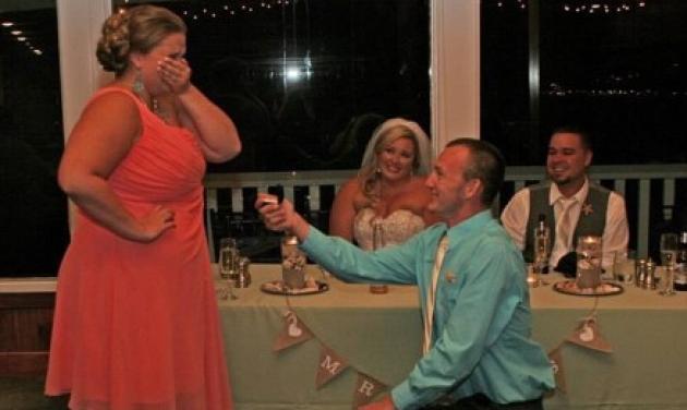 Χαμός με την πρόταση γάμου, που έγινε σε… γαμήλια τελετή! | tlife.gr