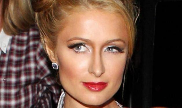 Paris Hilton: Έκανε σχέση με 18χρονο Αυστραλό; | tlife.gr