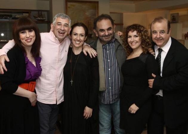 """Ξανά μαζί οι πρωταγωνιστές του 50 – 50! Πού βρέθηκαν ο """"Νικηφόρος"""", η """"Βέτα"""" και η """"Ειρήνη"""";   tlife.gr"""