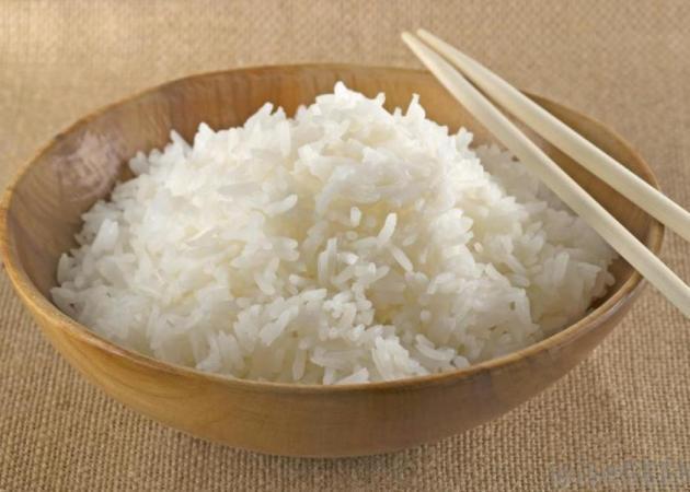 Προσοχή όταν ξαναζεσταίνεις το ρύζι: Κίνδυνος δηλητηρίασης!   tlife.gr