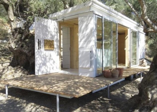 Σκωτσέζος βρήκε τον παράδεισο στο Ρέθυμνο και έφτιαξε το (οικολογικό) σπίτι των ονείρων του | tlife.gr