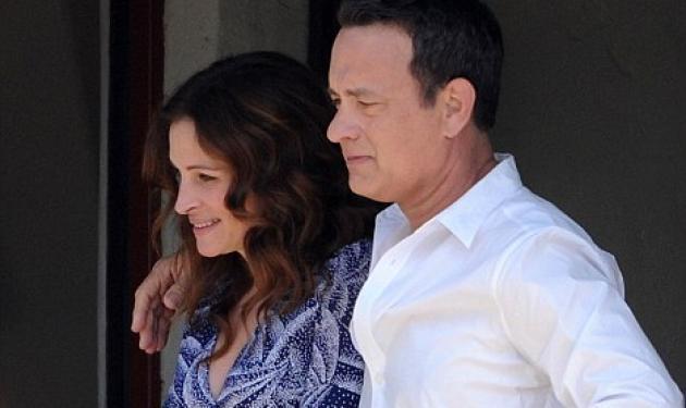 Julia Roberts, Tom Hanks: τι τρέχει μεταξύ τους; | tlife.gr