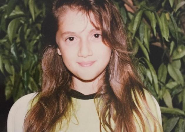 Η μικρή της φωτογραφίας είναι Ελληνίδα τραγουδίστρια!   tlife.gr