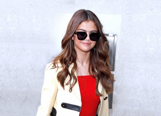 To styling tip της Selena Gomez που θα κλέψουμε!   tlife.gr