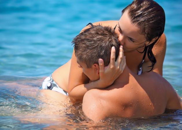Σεξ στη θάλασσα; Δεν είναι και τόσο καλή ιδέα | tlife.gr