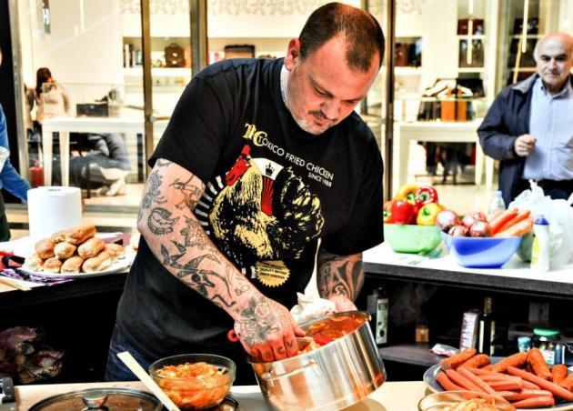 Δεν φαντάζεσαι πόσοι θέλουν να φορέσουν την ποδιά του… «Master Chef»! | tlife.gr