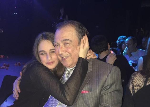 Τόλης Βοσκόπουλος: Η βραδινή έξοδος με την κόρη του Μαρία και τα συγκινητικά λόγια της Ασλανίδου! Φωτογραφίες | tlife.gr