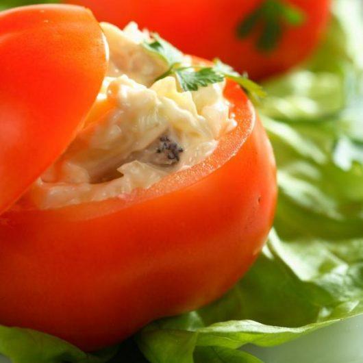 Ντομάτες γεμιστές με μανιτάρια | tlife.gr