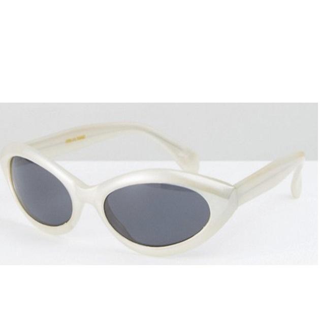 6   Γυαλιά asos.com