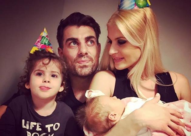 Όσο ο Στέλιος Χανταμπάκης είναι στο «Survivor», η σύζυγός του πολιορκείται από τον ΑΝΤ1! | tlife.gr
