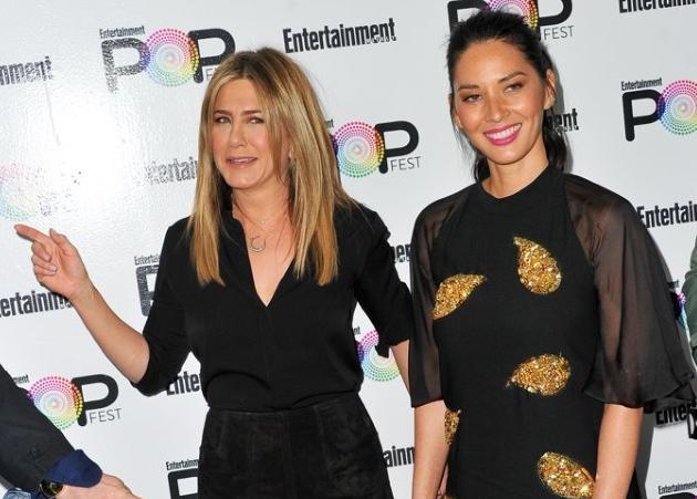 H Jennifer Aniston φοράει αυτό το στιλ σε μπότες από την εποχή των Friends!   tlife.gr