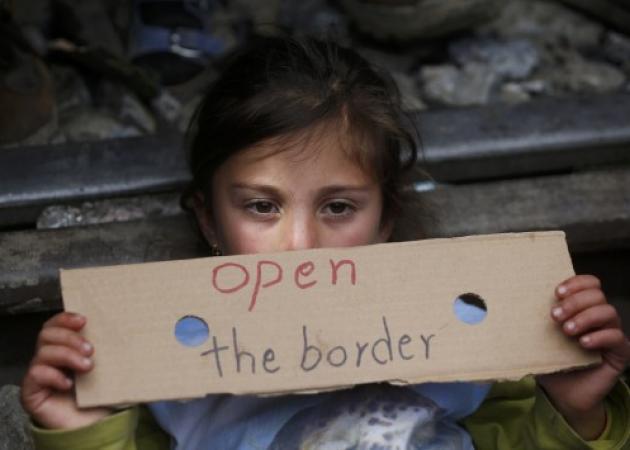 Ειδομένη: 9χρονο κοριτσάκι με ηπατίτιδα – Άγριο ξύλο για ένα ζευγάρι παπούτσια – Στο νοσοκομείο πρόσφυγας