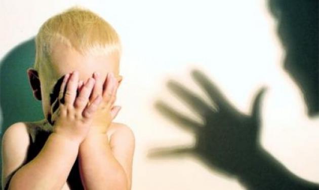 Αδίστακτη μητέρα «έσπαγε» στο ξύλο το ανήλικο παιδί της! | tlife.gr