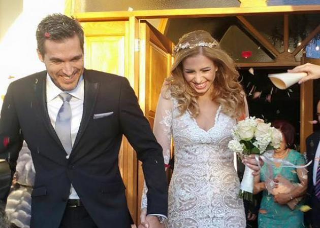 Ποια τραγουδίστρια πάντρεψε χθες τον αδελφό της; | tlife.gr