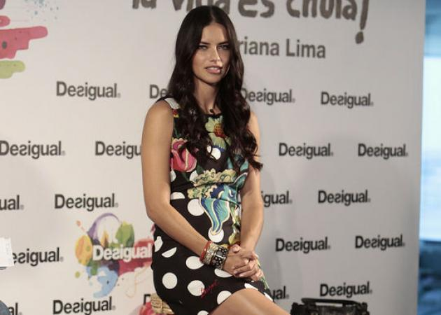 Stop the press! Δες τα πόδια της Adriana Lima και μάθε το sexy μυστικό της! | tlife.gr