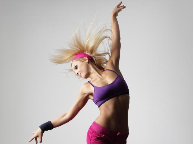 Aerobics! Γιατί το τέλειο σώμα έρχεται με ξεσηκωτική μουσική… | tlife.gr