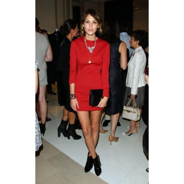10 | Τhe little red dress!