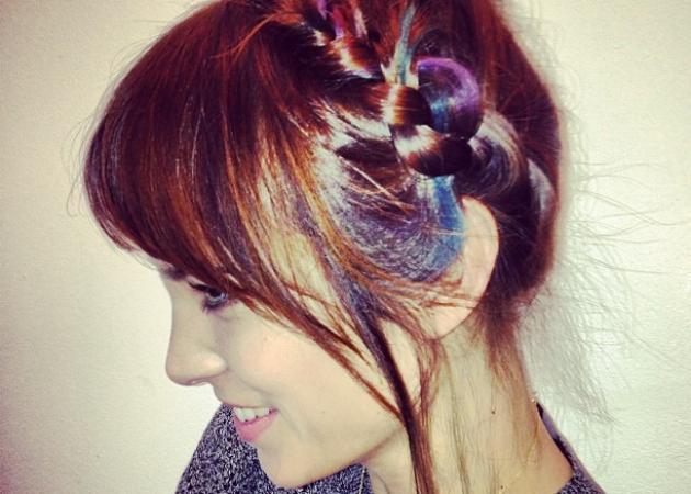 Η Alexa Chung έβαψε τα μαλλιά της παστέλ! Με ποιο προϊόν, πόσο κοστίζει, πού θα το βρεις!