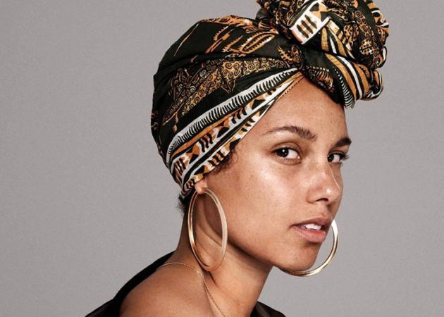 Μετά από ένα χρόνο η Alicia Keys φόρεσε ξανά make up για έναν σημαντικό λόγο!