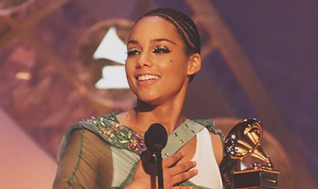 Η Alicia Keys μας δείχνει για πρώτη φορά τον δύο μηνών κούκλο γιο της! | tlife.gr