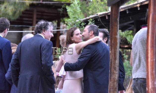 Τζίνα Αλιμόνου – Παύλος Βαρδινογιάννης: Βάφτισαν τα τρίδυμα παιδιά τους στην Ακρόπολη! Φωτογραφίες | tlife.gr