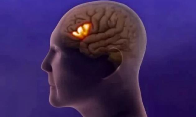 Πώς το Αλτσχάιμερ καταστρέφει τα κύτταρα του εγκεφάλου – Δες το βίντεο | tlife.gr