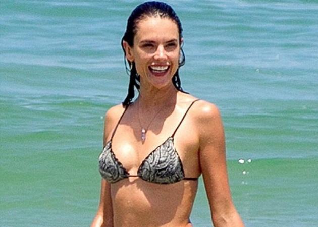 Alessandra Ambrosio: Εμφανίστηκε στην παραλία με αυτούς τους κοιλιακούς και προκάλεσε πανικό! | tlife.gr