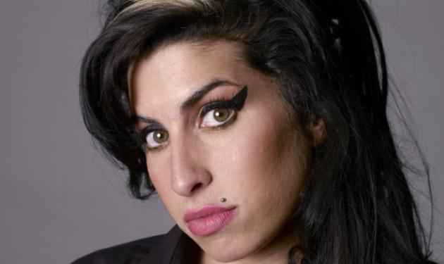 Amy Winehouse: Πέθανε επειδή σταμάτησε απότομα το αλκοόλ;   tlife.gr