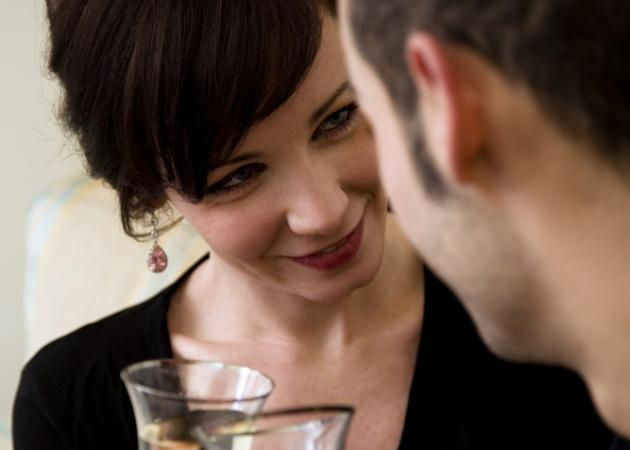 ΚΑΝΕ ΤΟ ΤΕΣΤ! Πόσο καλή είσαι στο φλερτ; Ανταποκρίνεσαι σωστά; | tlife.gr