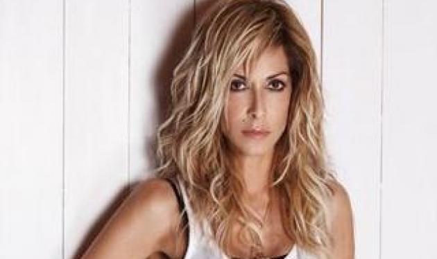 Η Άννα Βίσση στις γυναικείες φυλακές! Γιατί πήγε; | tlife.gr