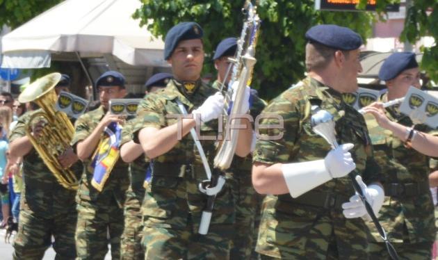 Δες τον Κωνσταντίνο Αργυρό στην στρατιωτική παρέλαση της Αλεξανδρούπολης! Φωτογραφίες