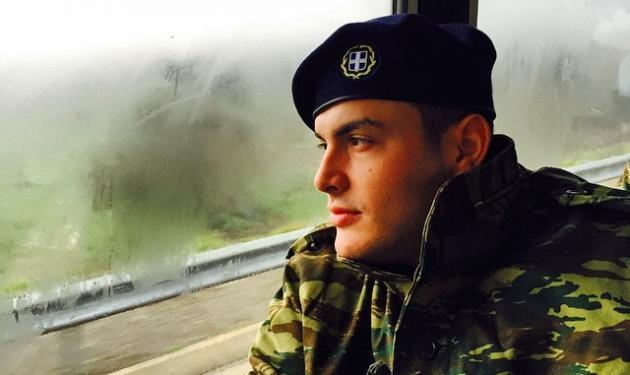 Σάκης Αρσενίου: Ξέρει να ξεσηκώνει το κοινό ακόμα και στην πίστα… του στρατοπέδου! | tlife.gr
