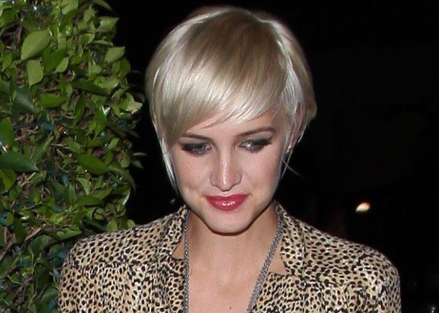 Έχεις κοντά μαλλιά και θέλεις να τα μακρύνεις; Δες το κούρεμα της Ashlee Simpson! | tlife.gr