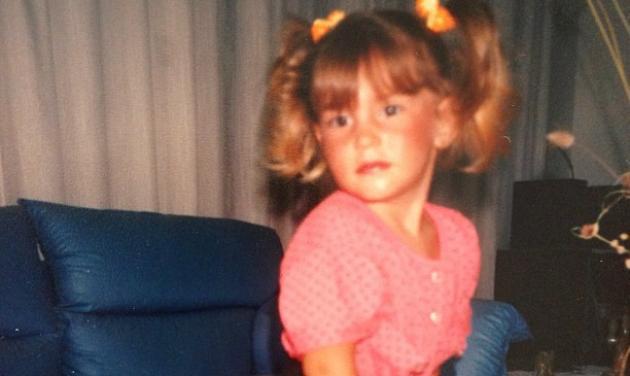 Μικρή η ηθοποιός πόζαρε ναζιάρικα ενώ μεγάλη με καυτό… μαγιό! Φωτογραφία