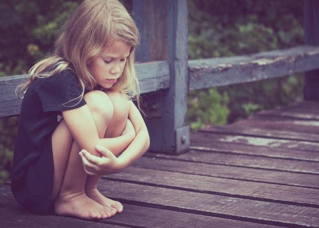 """Είναι """"μητρική"""" υπόθεση η εμφάνιση αυτισμού στα κορίτσια;"""