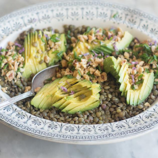 Φακές σαλάτα με αβοκάντο
