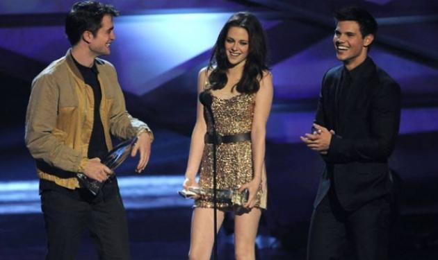 "J. Depp, K. Perry και Twilight: Οι μεγάλοι νικητές των ""People' s Choice Awards""!   tlife.gr"