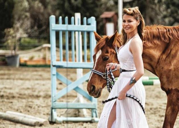 Τζένη Μπαλατσινού: Ο γάμος, οι φήμες, τα παιδιά της και η νέα ζωή! | tlife.gr