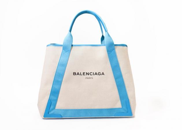 Από τον οίκο Balenciaga… για τη Μύκονο! | tlife.gr