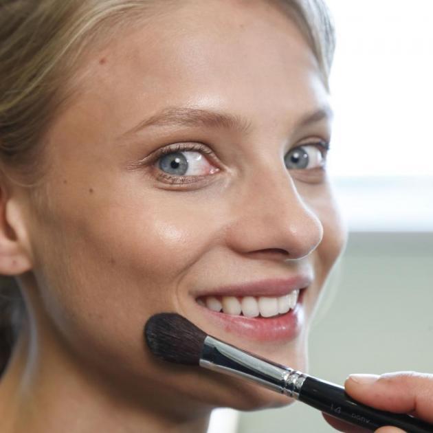 Αυτό πρέπει να κάνεις κάθε φορά πριν ανανεώσεις το μακιγιάζ σου!