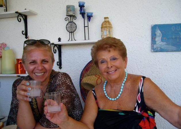 Βέφα Αλεξιάδου: Οι ευχές στο γαμπρό της και η συγκίνηση για την κόρη της που έφυγε νωρίς… | tlife.gr