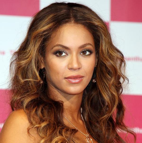 Πώς να αποκτήσεις τα sexy wavy της Beyonce | tlife.gr
