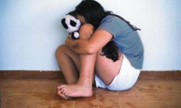 Συνέλαβαν κακοποιούς που εξέδιδαν ένα 13χρονο κοριτσάκι! Ανάμεσά τους τρεις γυναίκες | tlife.gr