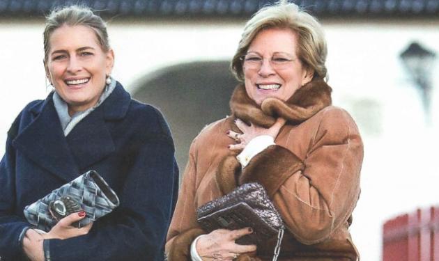 Τατιάνα Μπλάτνικ: Βόλτες με την πεθερά της στη Δανία! | tlife.gr
