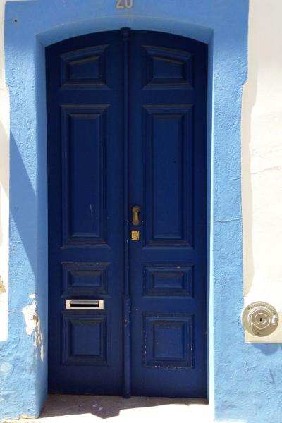 2   Η Μπλε πόρτα