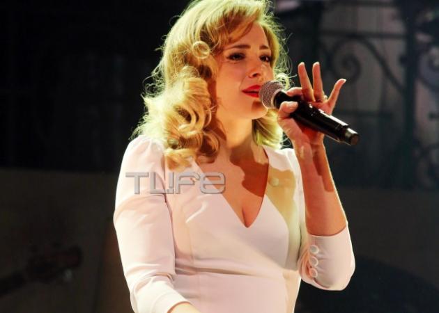 Νατάσσα Μποφίλιου: Με ανανεωμένο look και κέφια στη σκηνή! Φωτογραφίες   tlife.gr