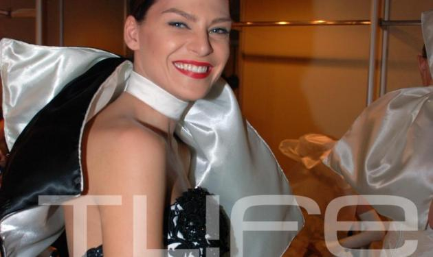 Υβ. Μπόσνιακ: Φοράει νυφικό και μιλάει για γάμο! | tlife.gr