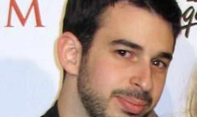 Ποια διάσημη τραγουδίστρια συγκατοικεί με τον πρώην και τον νυν; | tlife.gr