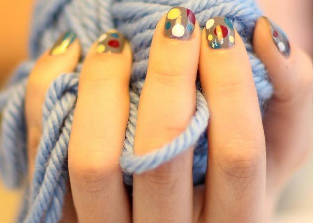 Πώς να κάνεις ένα funky πουά σχέδιο στα νύχια σου!