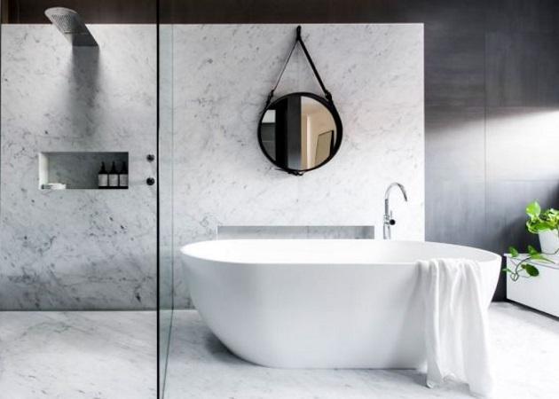 Μπάνιο: Οι πιο συναρπαστικές τάσεις στη διακόσμηση του μπάνιου επικεντρώνονται στα… πλακάκια   tlife.gr
